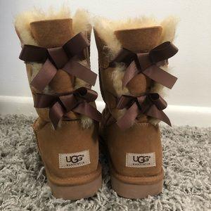 Ugg Australia Chestnut Bailey Bow Ugg Boots Size 9